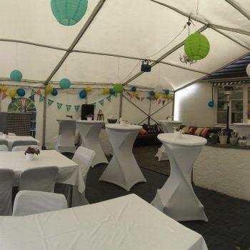 Studentfest för över 130 gäster